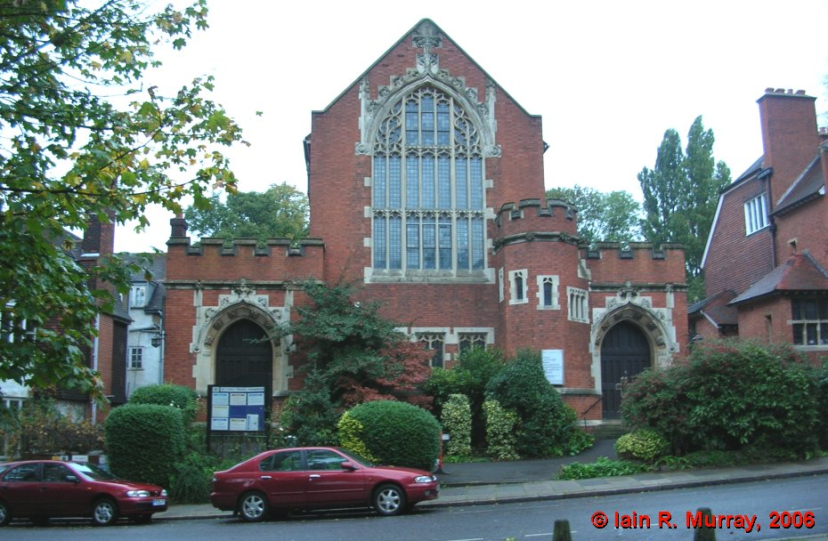 Wallis got married in St. Luke's Church, Hampstead, on St. George's Day, 1925
